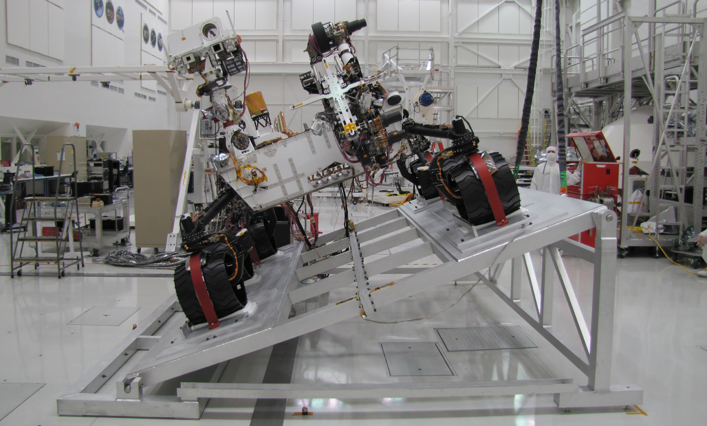 The MSL rover Curiosity on a tilt table in the Spacecraft Assembly Facility at NASA's Jet Propulsion Laboratory.